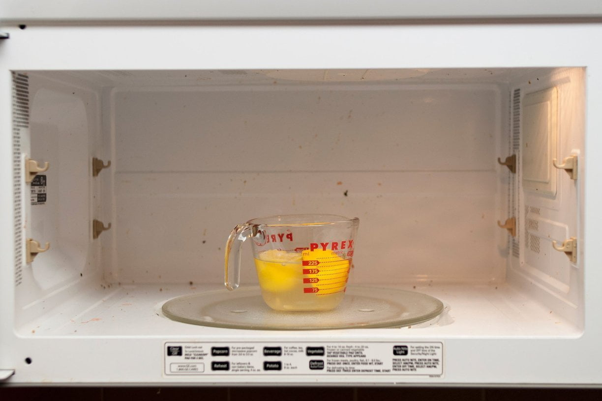 Clean-Your-Microwave-Naturally-With-Just-a-Lemon